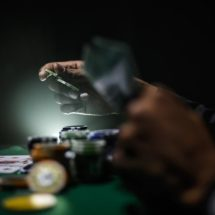 Be Wise And Choose Situs Poker Online To Play